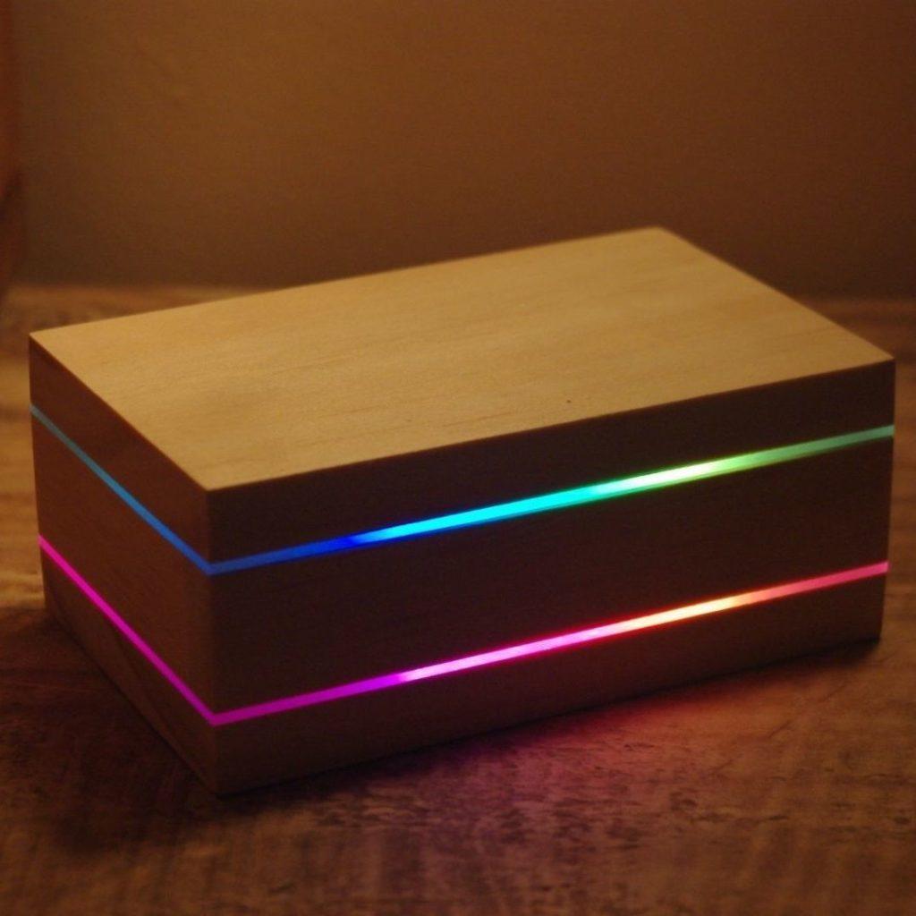 caja luminosa de madera principal