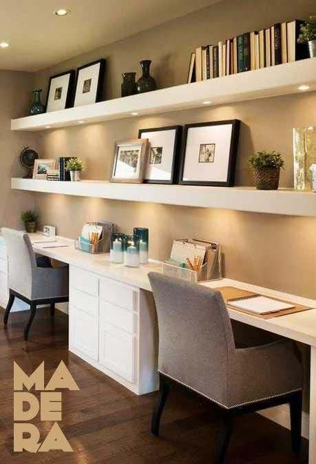 elegante estanteria flotante en oficina en casa color blanco