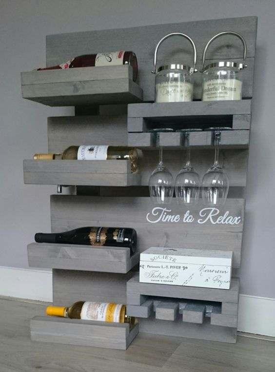 estanteria para vinos hecha en madera