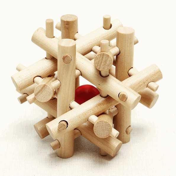 juguete puzzle de madera con nodos