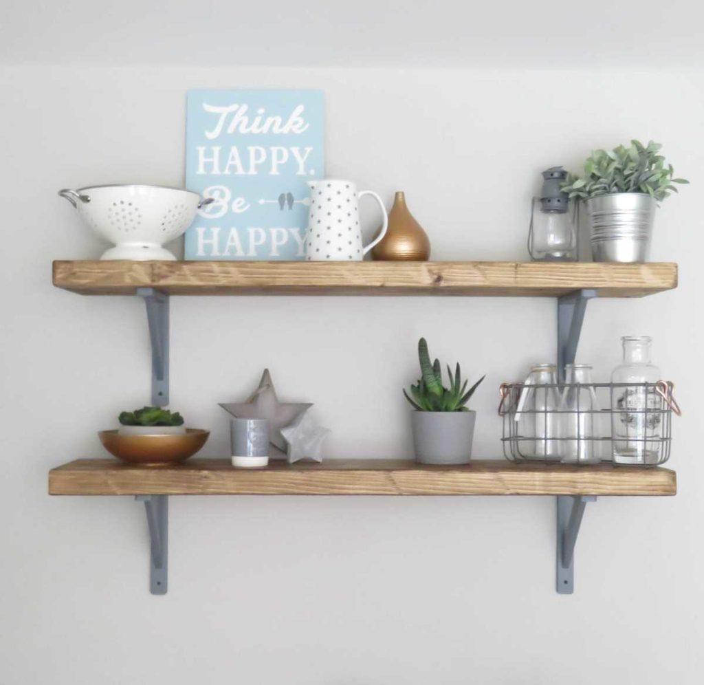 repisas estantes madera con soportes simples en color gris