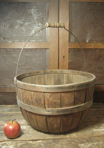antigua cesta para recolectar manzanas decorativa estilo rural