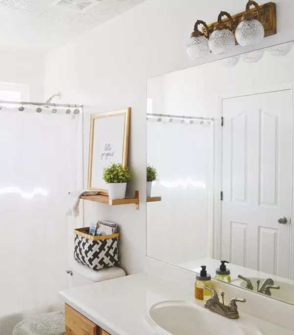 repisas para las paredes del bano