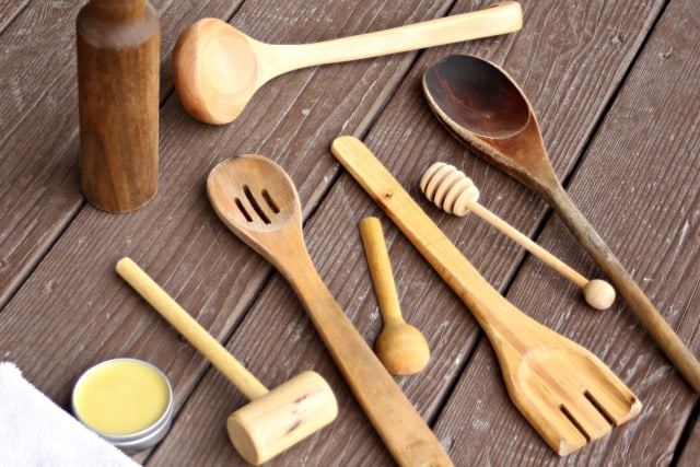 variados utensilios.de .madera